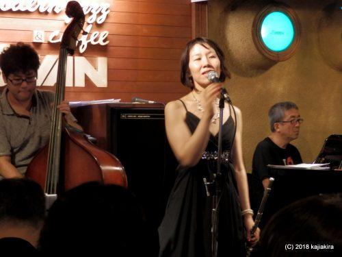 Pearl (vocal, piano, flute)